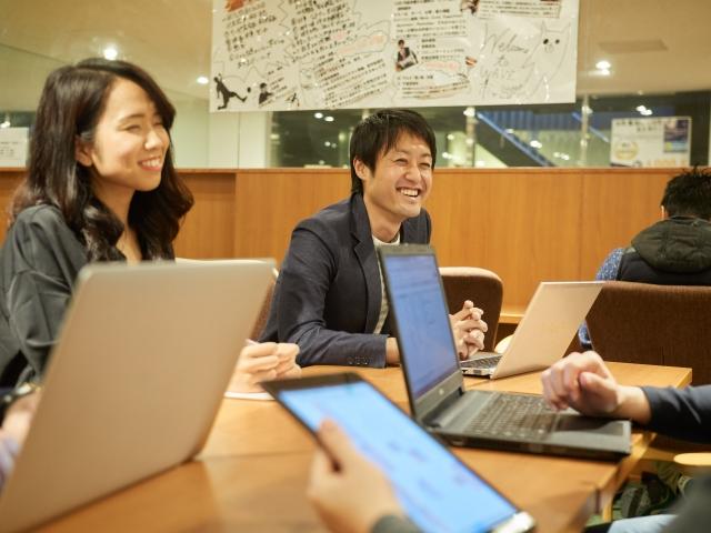 勉強の効率をあげるための集中力のつけ方-友達と勉強