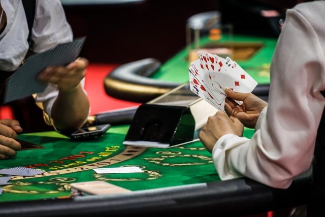経営者に向いている人・向いていない人-ギャンブル-